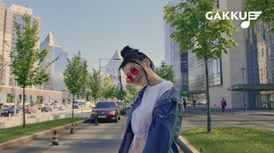 女優もこなすマルチタレントなカザフスタン(Q-pop)のシンガー Erke Esmahan